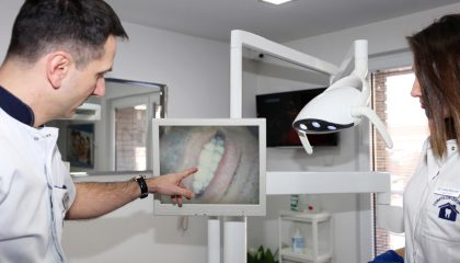 Stomatolog Jovšić tim zubara