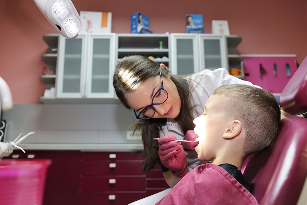 DR Ana Božić, stomatolog