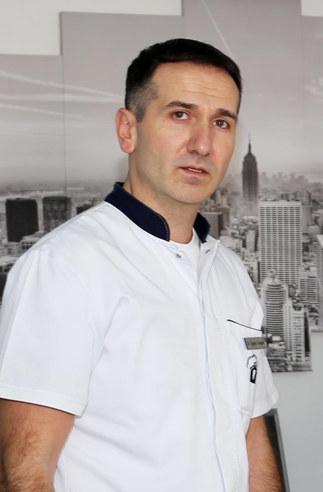 dr Duško Jovšić stomatolog